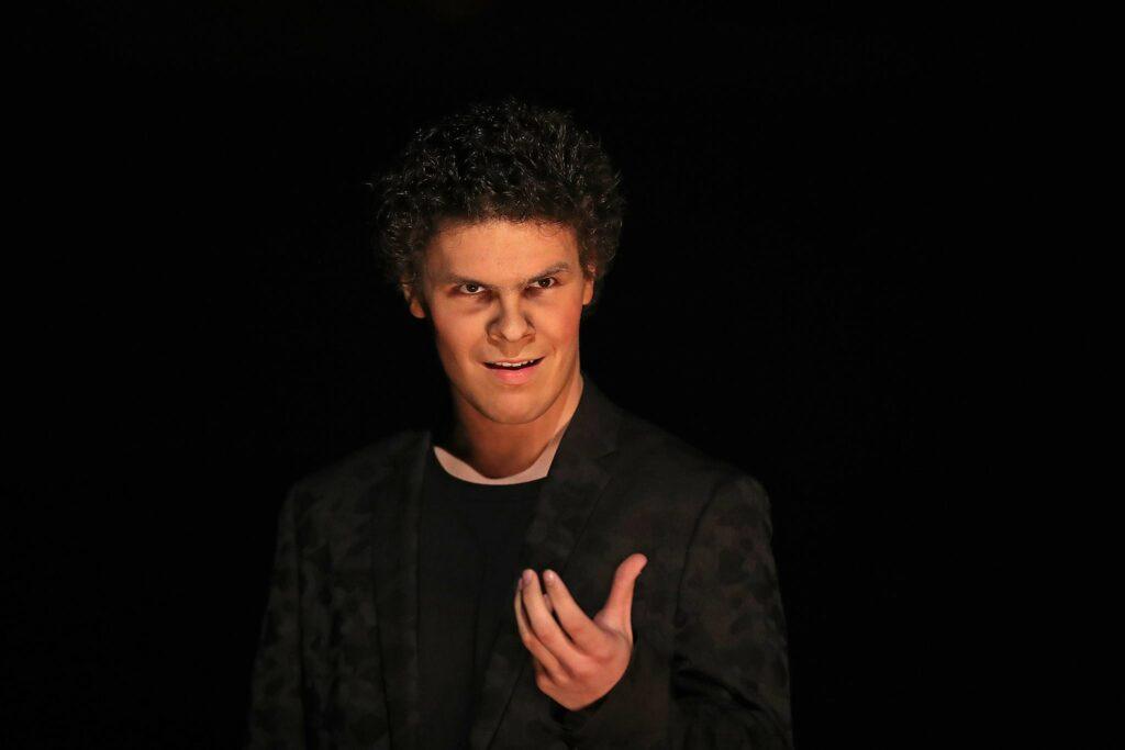 Hamlet, gekke uitvoering door Theater VTV in Ronse