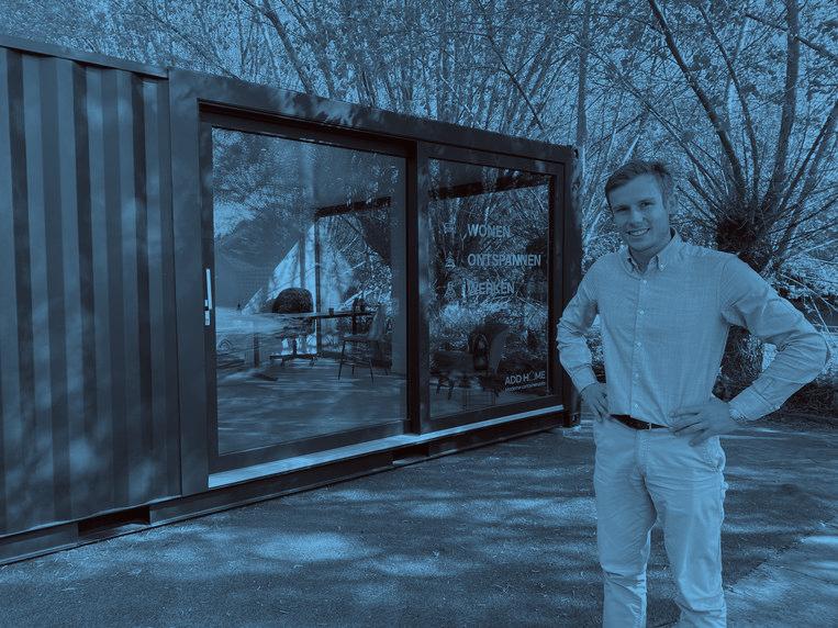 Basiel van Cauwenberge, manager van Add Home, voor een voorbeeld van een tuinkantoor.